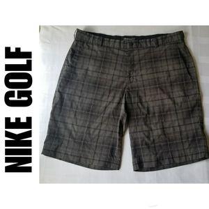 NYE SALE Nike DriFit Golf Flat Front Shorts SZ 40